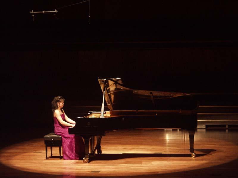 中国钢琴界领军人物